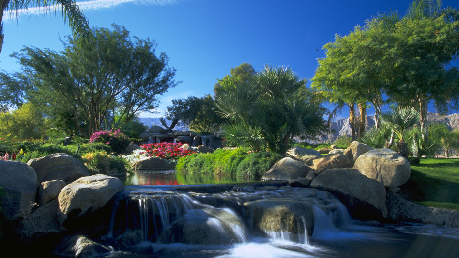 Golf Course Landscaping Water-Feature